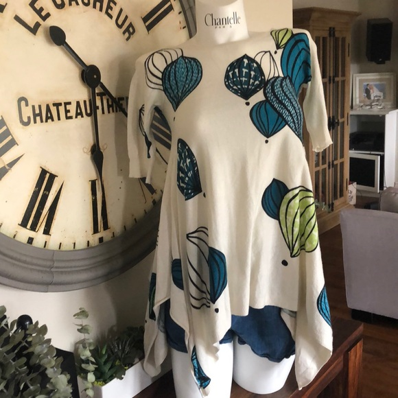 Anthropologie Tops - FIELD FLOWER  RARE PRINT TOP XS